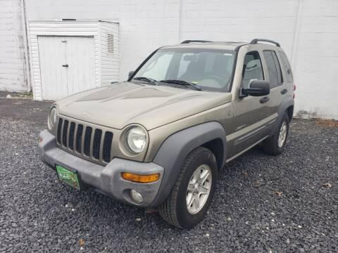2004 Jeep Liberty for sale at CRS 1 LLC in Lakewood NJ