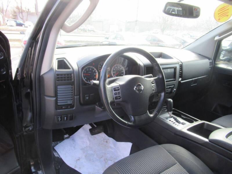 2010 Nissan Titan for sale at Aztec Motors in Des Moines IA