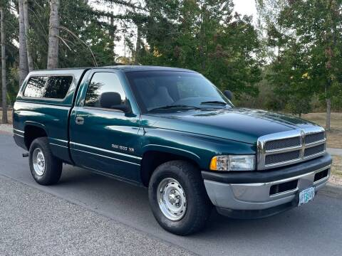 1998 Dodge Ram Pickup 1500 for sale at CLEAR CHOICE AUTOMOTIVE in Milwaukie OR