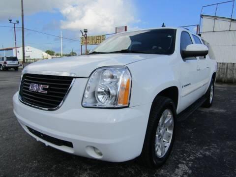 2008 GMC Yukon XL for sale at AJA AUTO SALES INC in South Houston TX