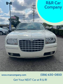 2007 Chrysler 300 for sale at R&R Car Company in Mount Clemens MI