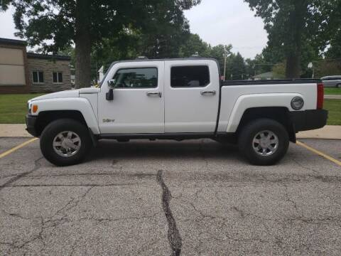 2010 HUMMER H3T for sale at The Car Mart in Milford IN