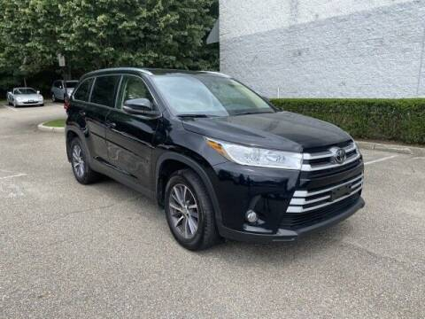 2019 Toyota Highlander for sale at Select Auto in Smithtown NY