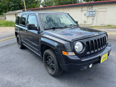 2016 Jeep Patriot for sale at Rock Motors LLC in Victoria TX
