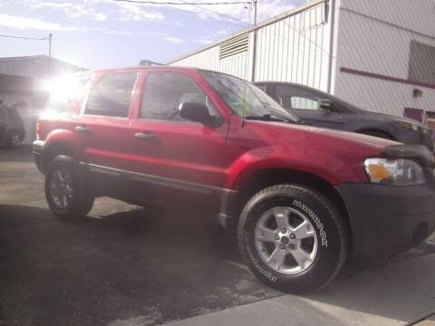 2005 Ford Escape for sale at MITRISIN MOTORS INC in Oskaloosa IA
