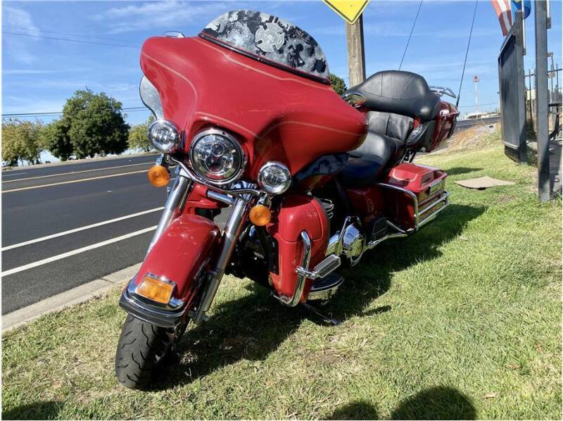 2010 Harley Davidson Electra Glide Ultra Classic Sh for sale at KARS R US in Modesto CA