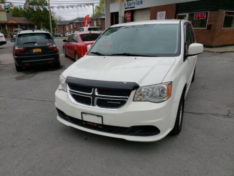 2011 Dodge Grand Caravan for sale at Apple Auto Sales Inc in Camillus NY