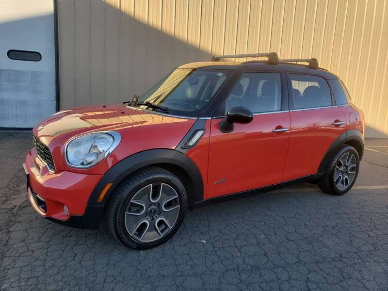 2012 MINI Cooper Countryman for sale at Massirio Enterprises in Middletown CT