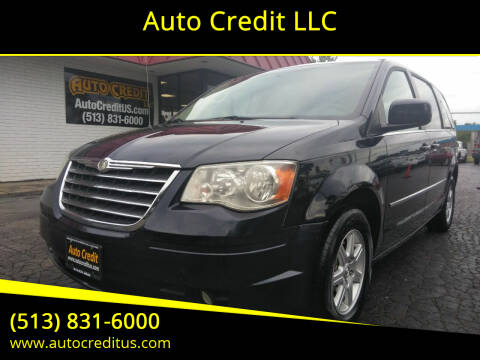 2010 Chrysler Town and Country for sale at Auto Credit LLC in Milford OH