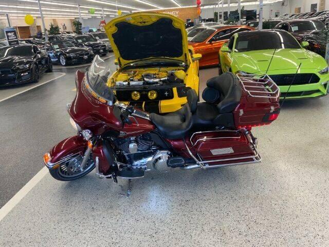 2009 Harley-Davidson FLHTCU for sale at Dixie Motors in Fairfield OH