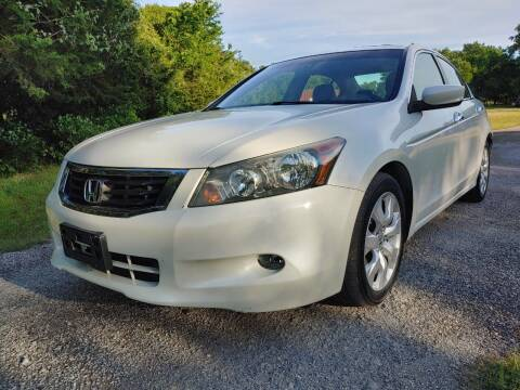 2009 Honda Accord for sale at The Car Shed in Burleson TX
