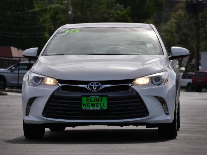 2017 Toyota Camry for sale at CLINT NEWELL USED CARS in Roseburg OR