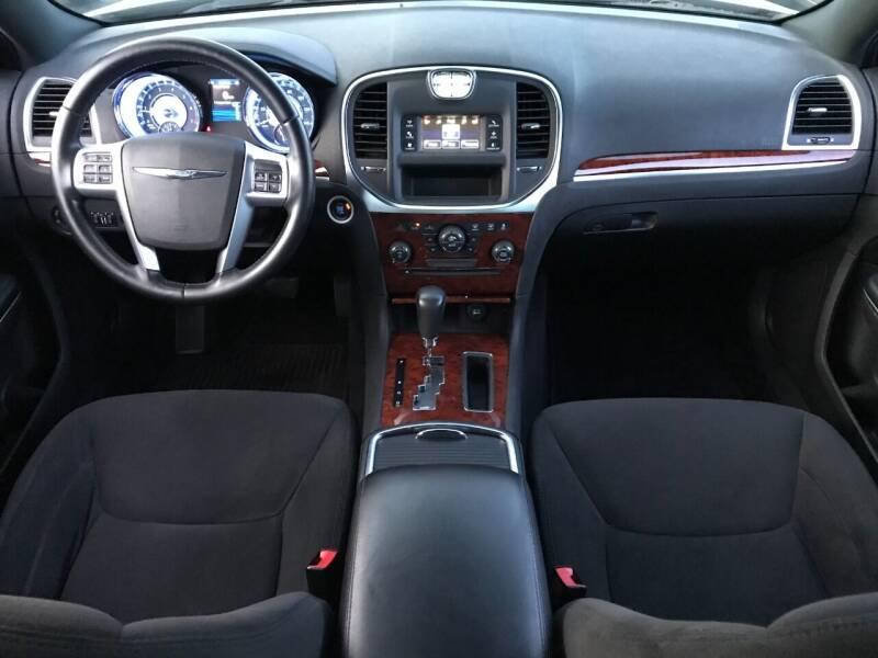 2012 Chrysler 300 4dr Sedan - Pompano Beach FL