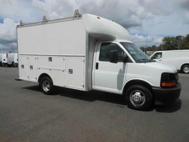 2017 Chevrolet Express Cutaway for sale at Benton Truck Sales - Utility Trucks in Benton AR