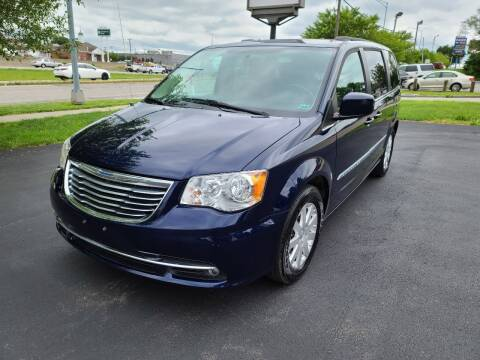 2015 Chrysler Town and Country for sale at Auto Hub in Grandview MO
