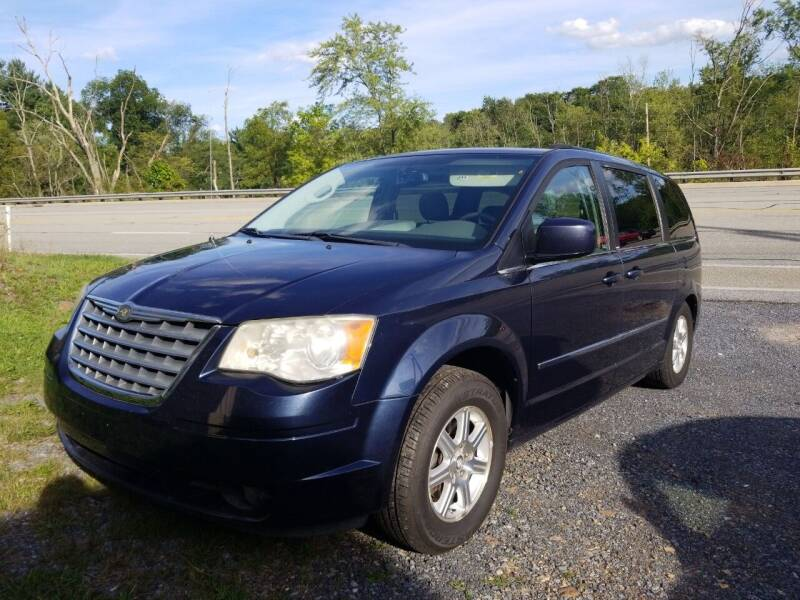 2009 Chrysler Town and Country for sale at Mackeys Autobarn in Bedford PA