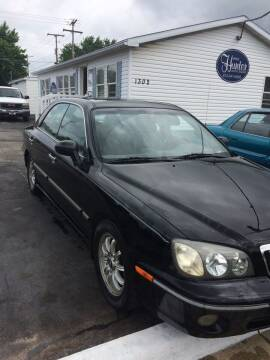 2003 Hyundai XG350 for sale at Mike Hunter Auto Sales in Terre Haute IN