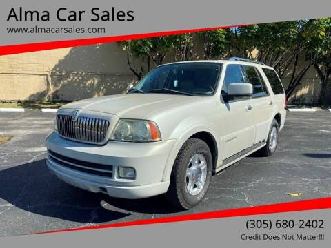 2005 Lincoln Navigator for sale at Alma Car Sales in Miami FL