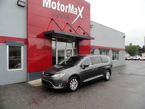2017 Chrysler Pacifica for sale at MotorMax of GR in Grandville MI