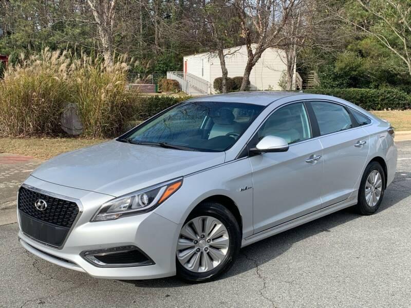 2016 Hyundai Sonata Hybrid for sale at Triangle Motors Inc in Raleigh NC