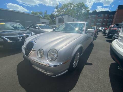 2002 Jaguar S-Type for sale at OFIER AUTO SALES in Freeport NY