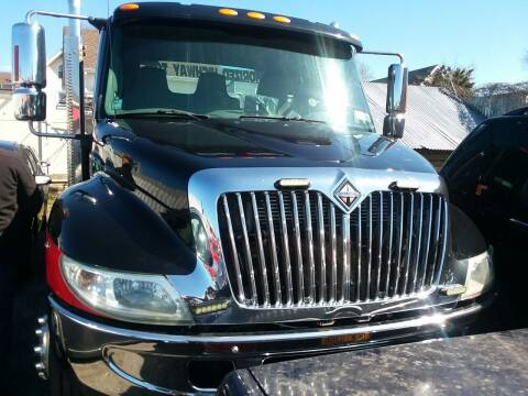 2005 International DuraStar 4300 for sale at International Auto Sales Inc in Staten Island NY