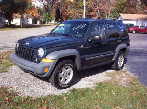 2005 Jeep Liberty for sale at LAKESIDE MOTORS LLC in Houghton Lake MI