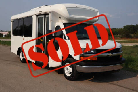2015 Chevrolet Express Cutaway for sale at Signature Truck Center in Crystal Lake IL