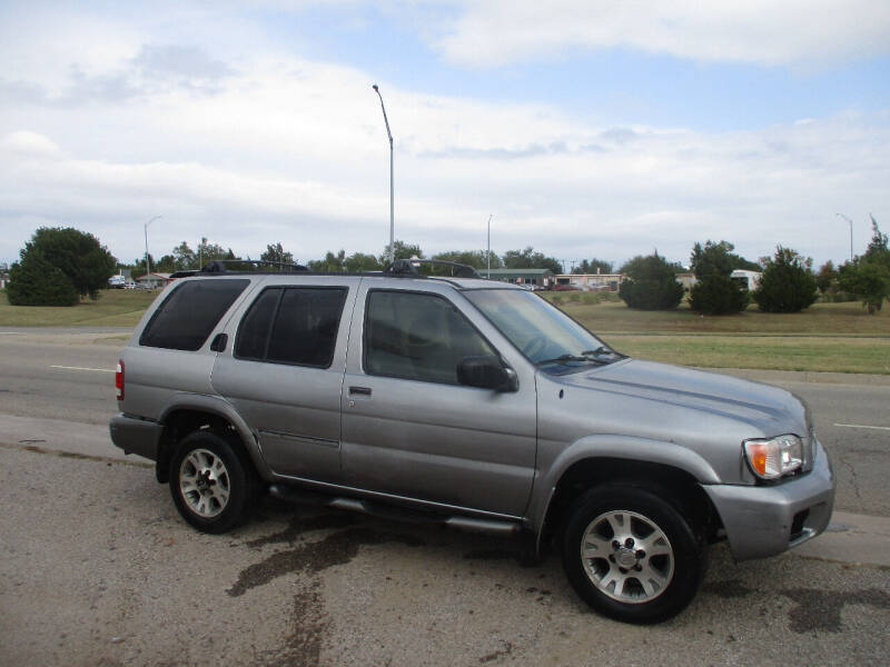 2000 Nissan Pathfinder for sale at BUZZZ MOTORS in Moore OK