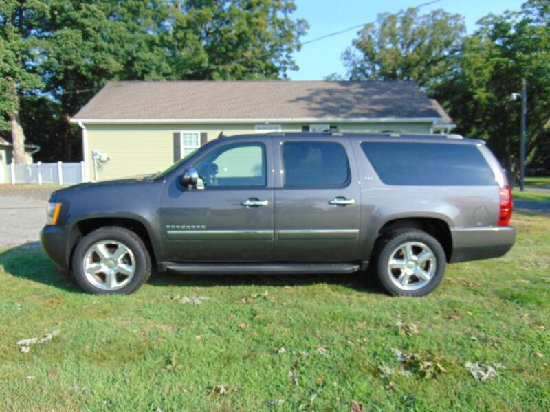 2011 Chevrolet Suburban for sale at CR Garland Auto Sales in Fredericksburg VA
