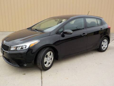 2017 Kia Forte5 for sale at Automotive Locator- Auto Sales in Groveport OH
