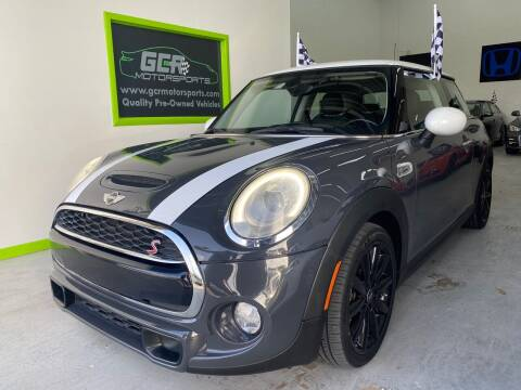 2015 MINI Hardtop 2 Door for sale at GCR MOTORSPORTS in Hollywood FL