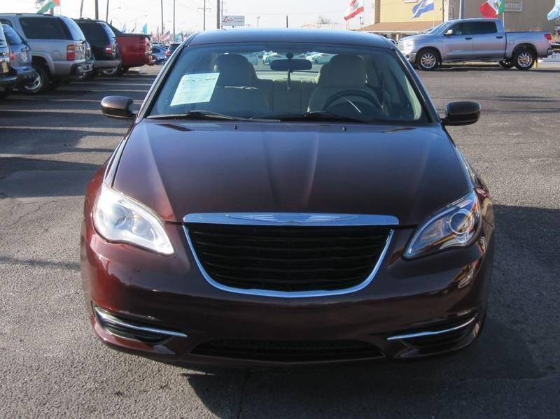 2013 Chrysler 200 for sale at T & D Motor Company in Bethany OK