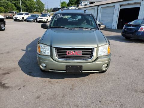 2004 GMC Envoy XUV for sale at DISCOUNT AUTO SALES in Johnson City TN