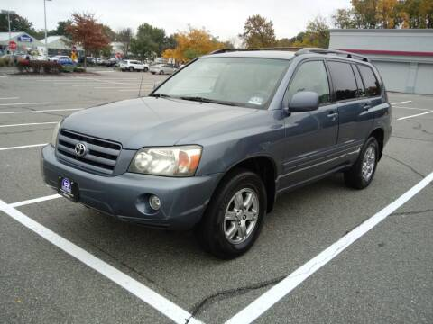 2005 Toyota Highlander for sale at B&B Auto LLC in Union NJ