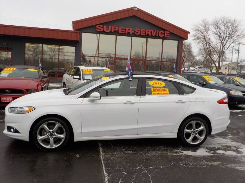 2016 Ford Fusion for sale at Super Service Used Cars in Milwaukee WI