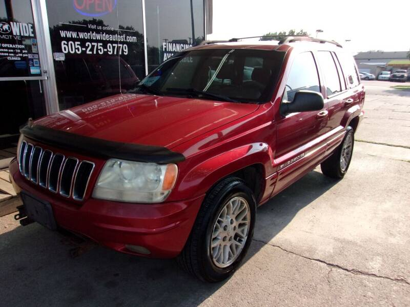 2001 Jeep Grand Cherokee for sale at World Wide Automotive in Sioux Falls SD