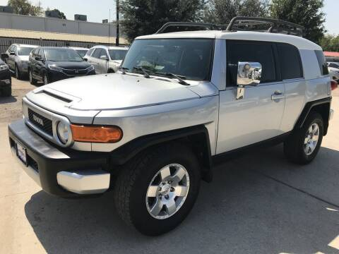 2008 Toyota FJ Cruiser for sale at AMIGO USED CARS in Houston TX