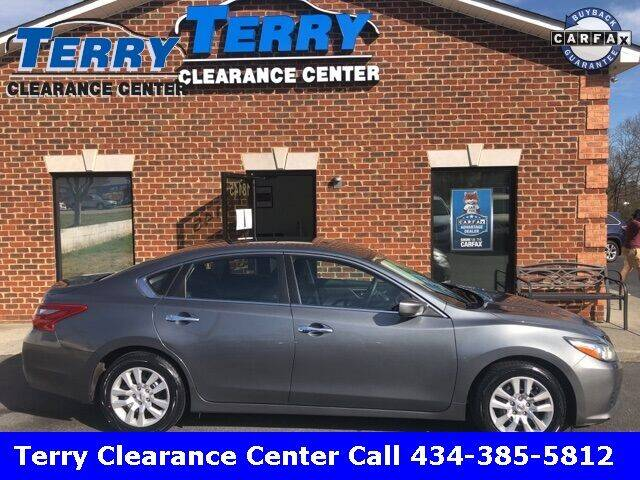 2018 Nissan Altima for sale at Terry Clearance Center in Lynchburg VA