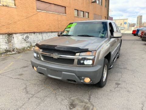 2002 Chevrolet Avalanche for sale at Rockland Center Enterprises in Roxbury MA