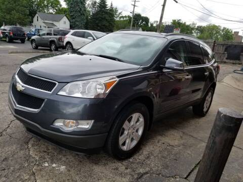 2011 Chevrolet Traverse for sale at DALE'S AUTO INC in Mt Clemens MI