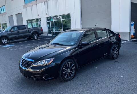 2012 Chrysler 200 for sale at Super Bee Auto in Chantilly VA
