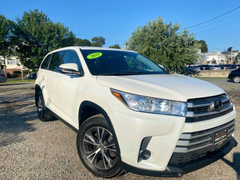 2019 Toyota Highlander for sale at Best Cars Auto Sales in Everett MA