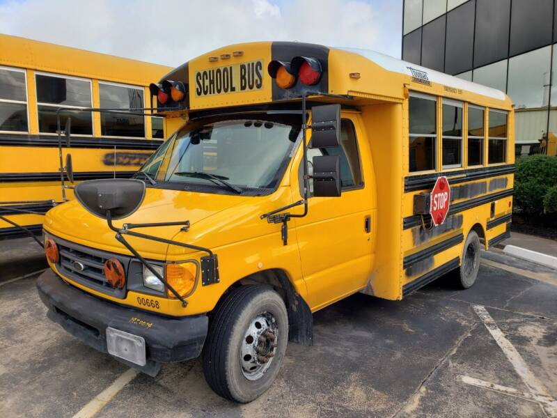 2003 Thomas Minotour - Ford E350 for sale at Texas Best Bus in Houston TX
