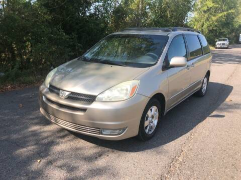 2004 Toyota Sienna for sale at Village Wholesale in Hot Springs Village AR