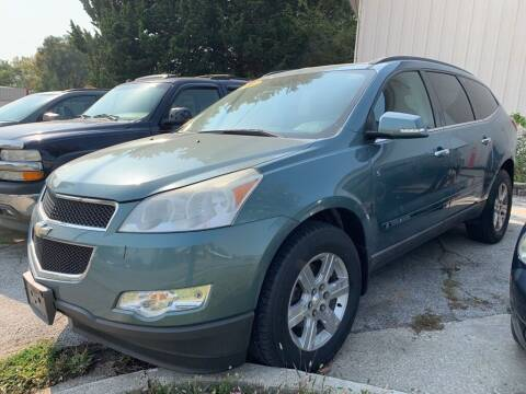 2009 Chevrolet Traverse for sale at ALVAREZ AUTO SALES in Des Moines IA