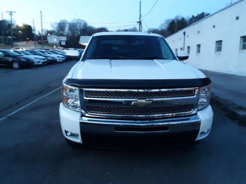 2013 Chevrolet Silverado 1500 for sale at Auto Villa in Danville VA