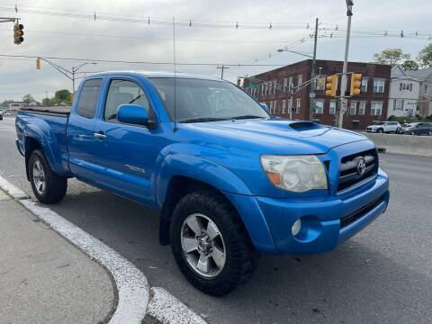 2006 Toyota Tacoma for sale at G1 AUTO SALES II in Elizabeth NJ