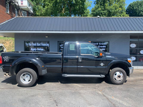 2016 Ford F-350 Super Duty for sale at Auto Credit Connection LLC in Uniontown PA