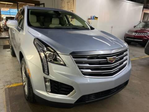 2017 Cadillac XT5 for sale at John Warne Motors in Canonsburg PA